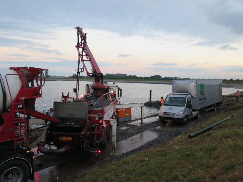 Betonpomp en BE-Combi Sint-Philipsland
